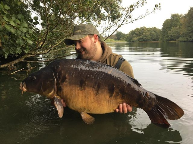 33lb 08oz '5 Star' caught on The Boathouse Swims
