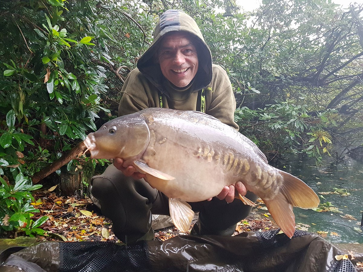 A Pulizzi  holding a 18-00 from RH Fisheries