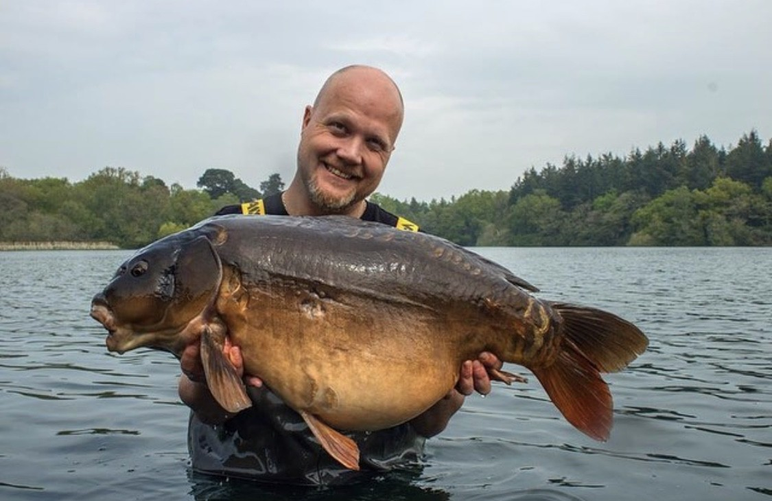 33lb 04oz  caught on
