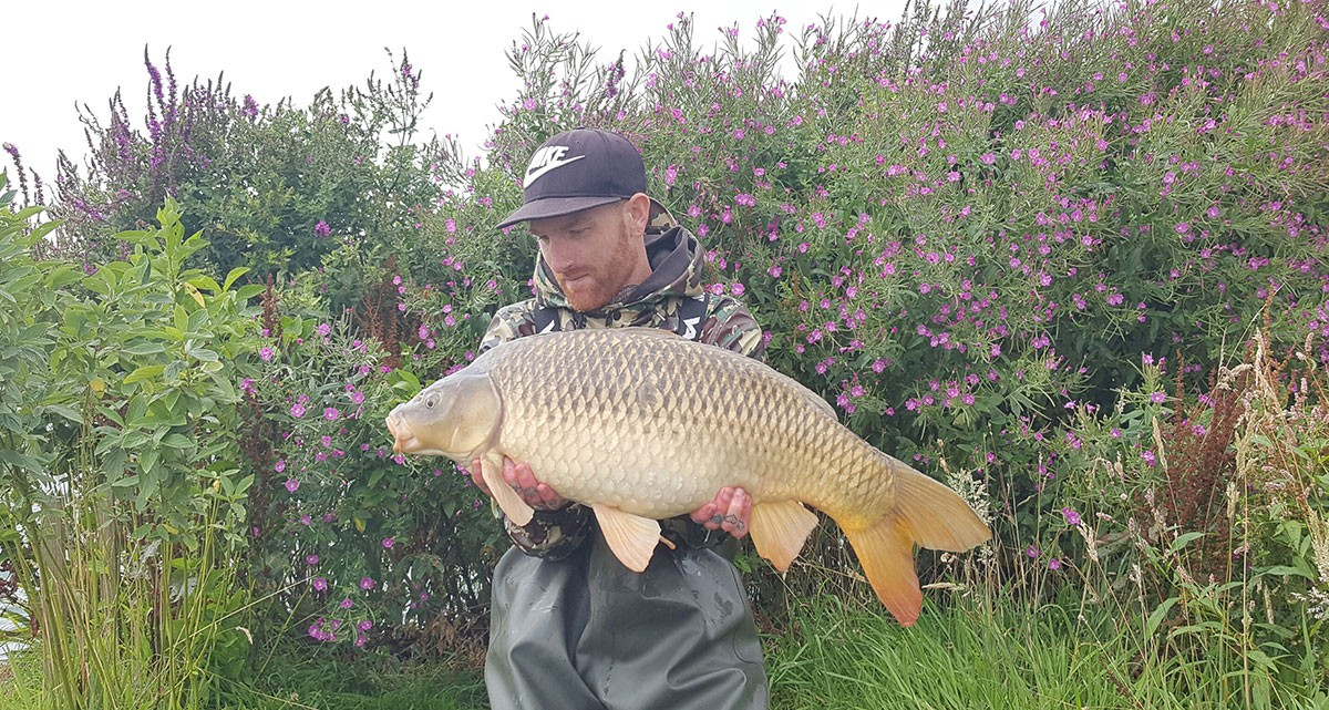 K Hawkins holding a 21 from RH Fisheries